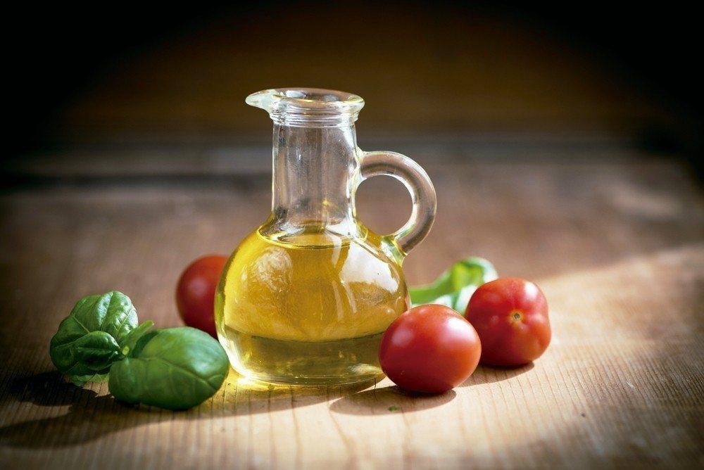 一項研究指出,從中年開始進行地中海飲食,可降低勃起障礙風險達40%,預約美好的老...
