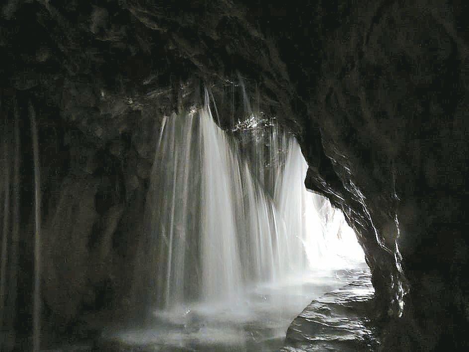 花蓮太魯閣國家公園內白楊步道水簾洞,經一年搶修,近日重新開放。 圖/太管處提供