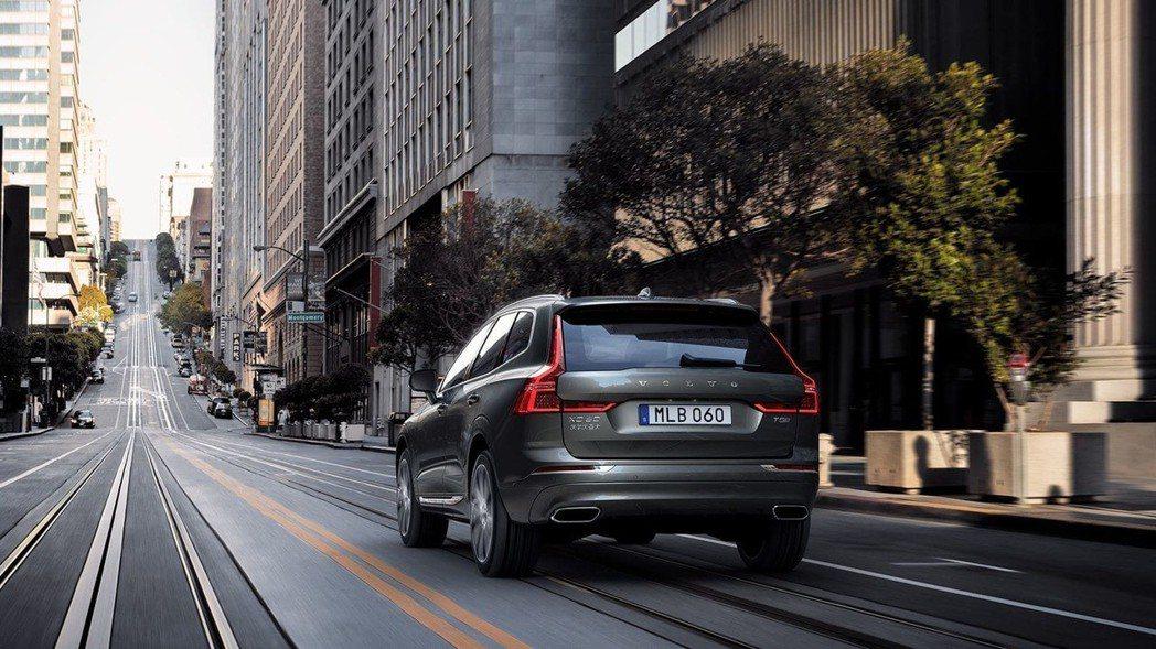 Volvo XC60正式上市,提供 D4 Momentum、T5 Momentum、T5 R-Design、T6 Inscription、T8 Inscription 與 T8 R-Design 四種動力、六種車型滿足國內車主不同喜好與需求 圖/Volvo提供