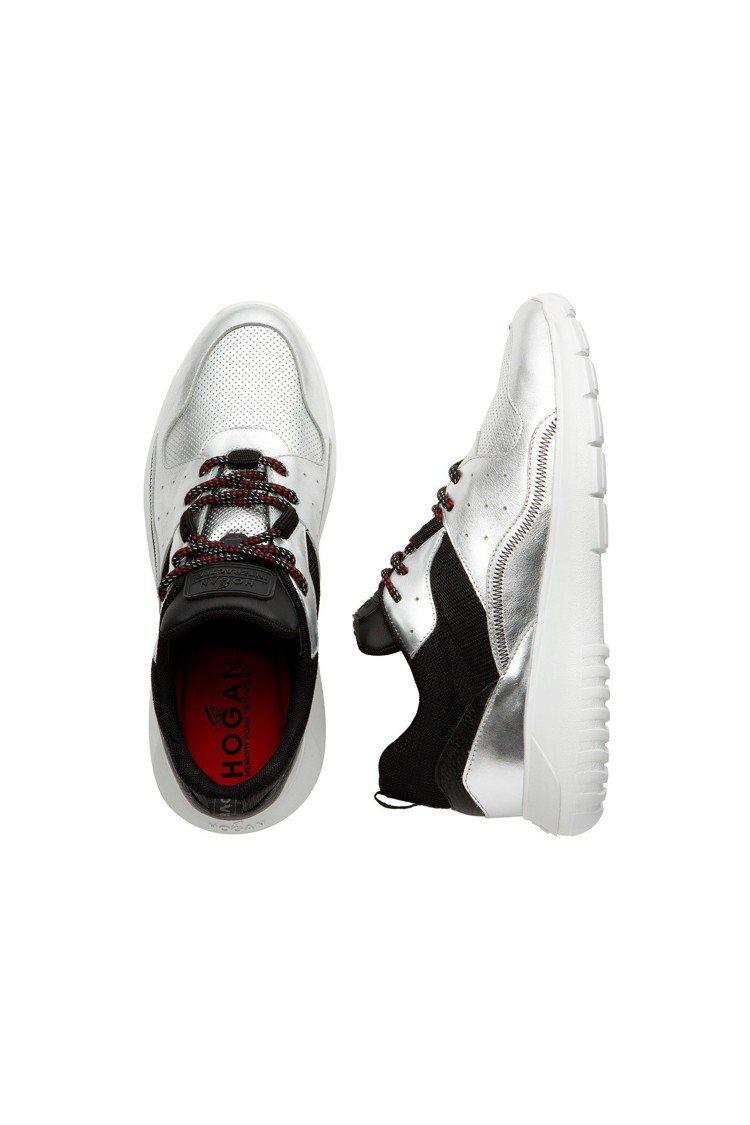 HOGAN ICUBE金屬銀色皮革男士休閒鞋,17,300元。圖/迪生提供