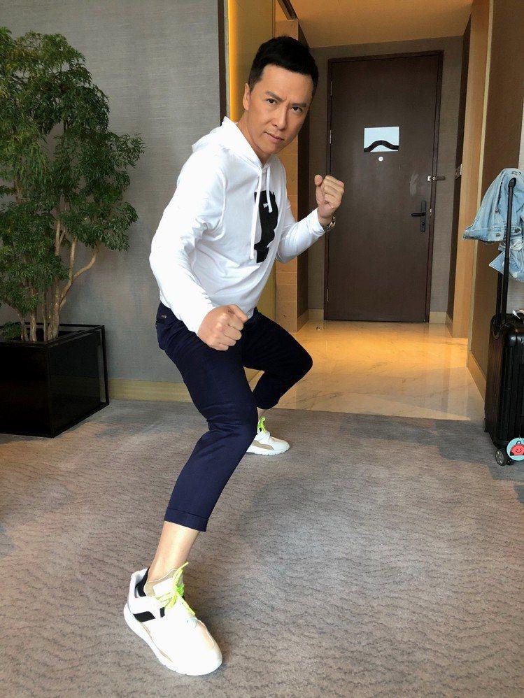 甄子丹穿HOGAN ICUBE男士休閒鞋。圖/迪生提供