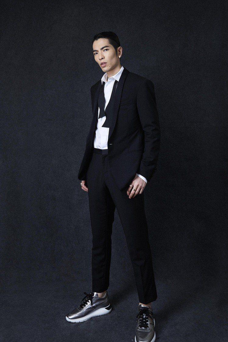 蕭敬騰穿HOGAN ICUBE男士休閒鞋。圖/迪生提供