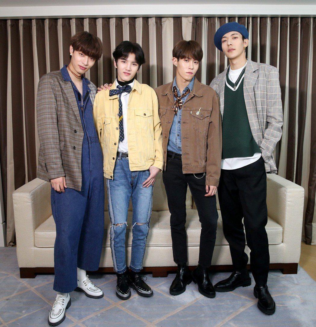 男團「ONER」成員木子洋(左起)、靈超、岳岳、卜凡。記者邱德祥/攝影
