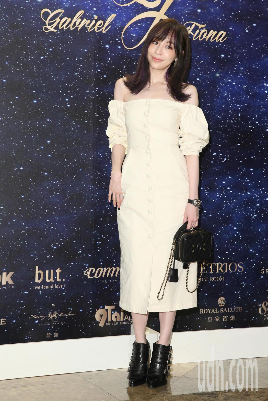 王心凌(圖)今天參加藍鈞天與陳羽柔在台北君悅酒店舉辦的婚宴。記者葉信菉/攝影