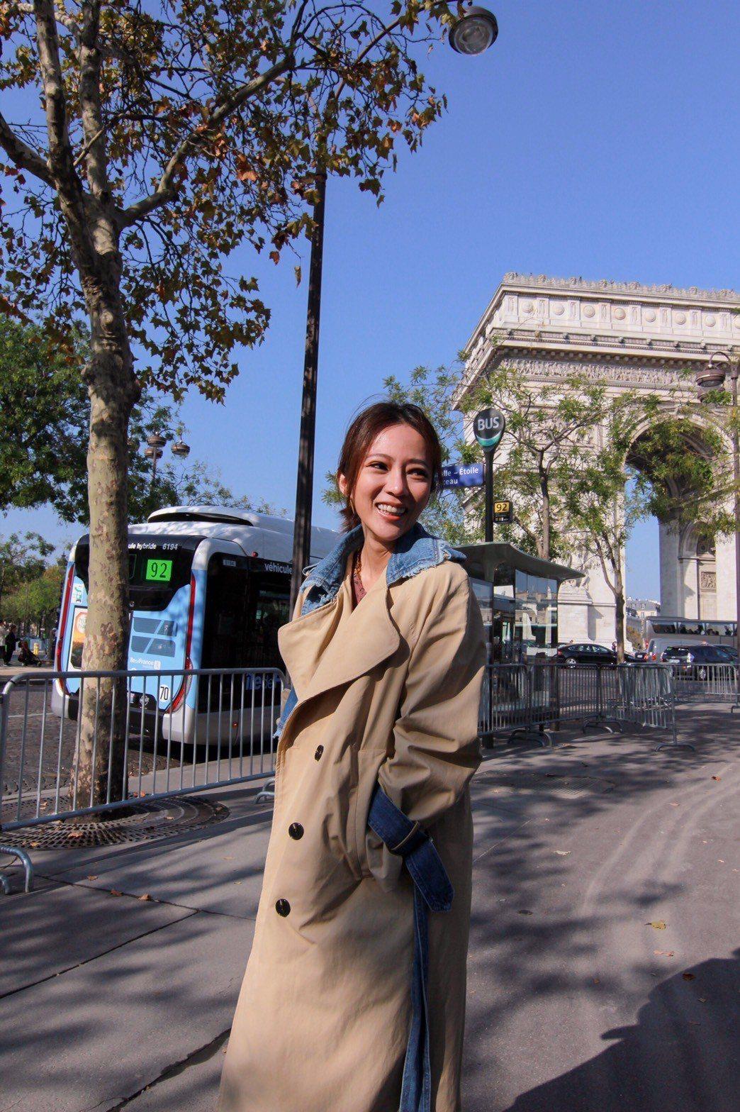 高宇蓁日前到法國為自家面膜參展,趁空街拍。圖/J.KAO GROUP提供