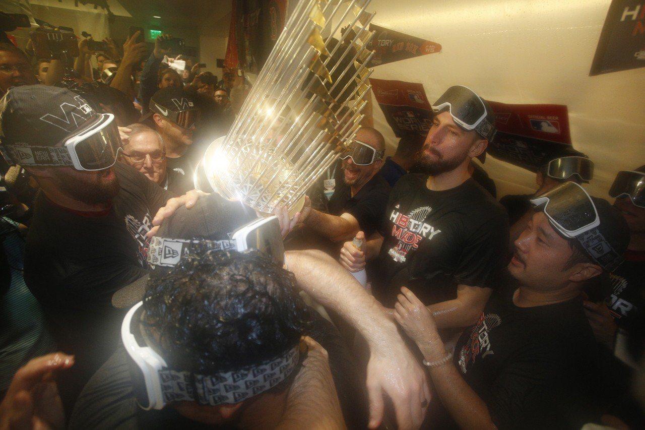 紅襪慶祝奪冠。 歐新社