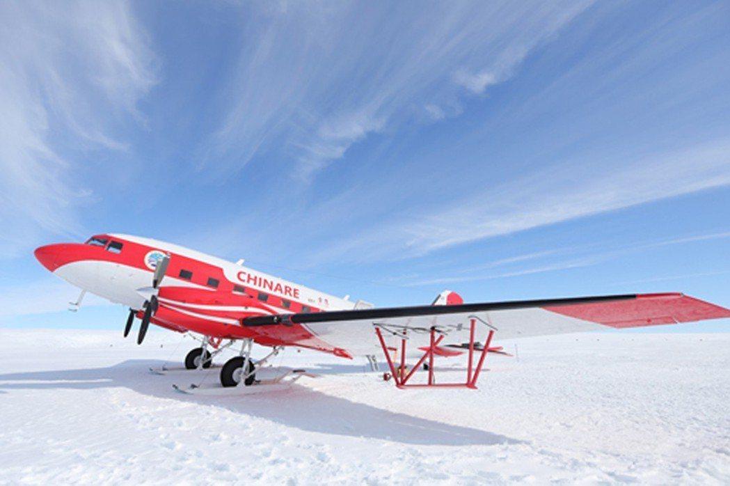 陸媒28日報導,中國在南極的永久機場已準備開工建設。圖為中國在南極投用的雪鷹60...