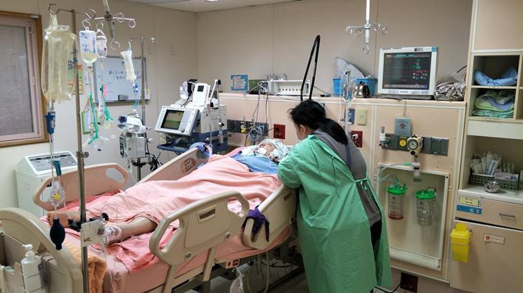 王先生的妹妹因愛喝飲料和吃炸物,引起全身癱瘓的腦中風。圖取自王永彰臉書