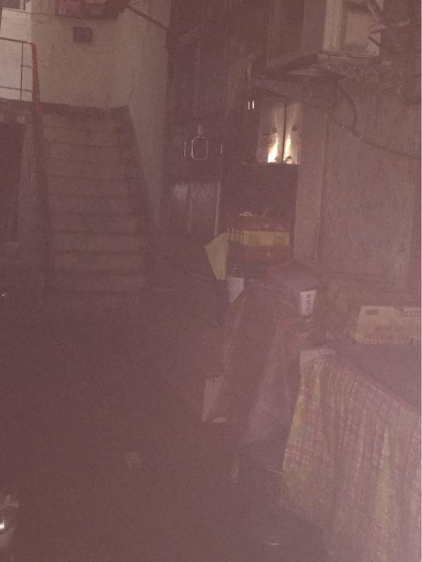 網友想在基隆購屋 但房子外觀讓許多網友力勸別買 圖片來源/PTT