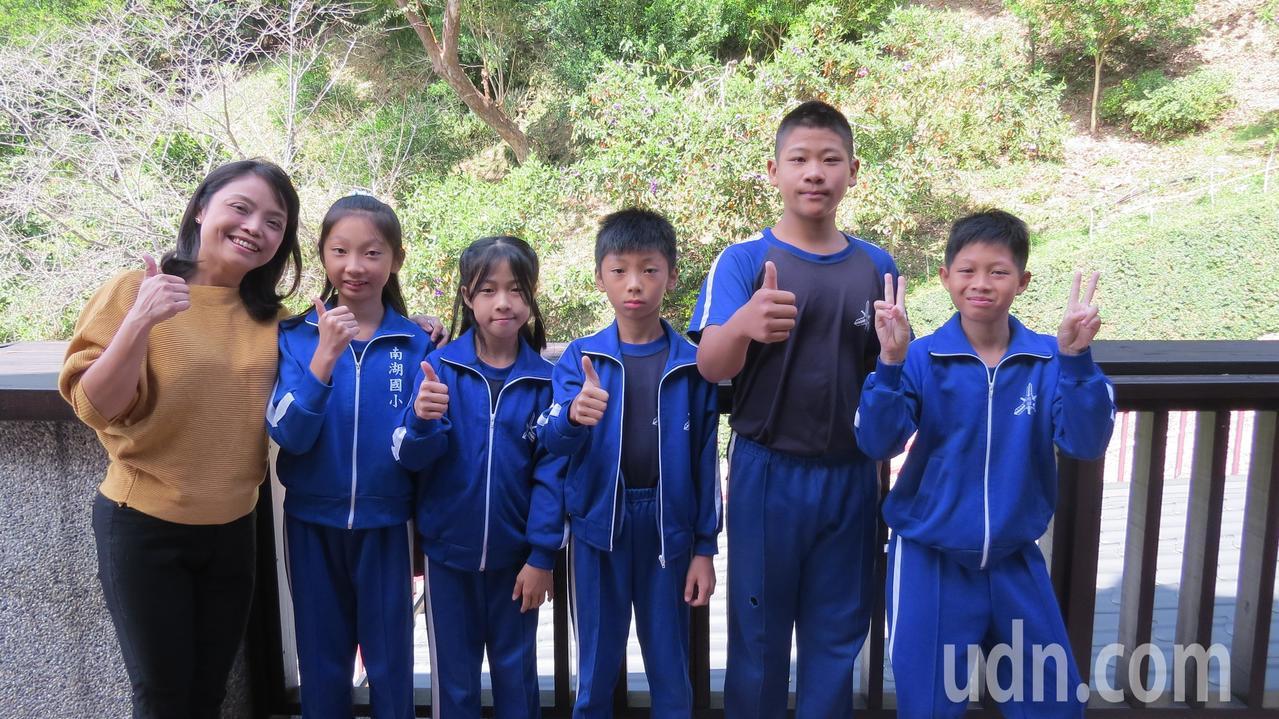 苗栗縣南湖國小學童完成「有你真好,一路真好」紀錄片,歷程獲得多元成長。記者范榮達...