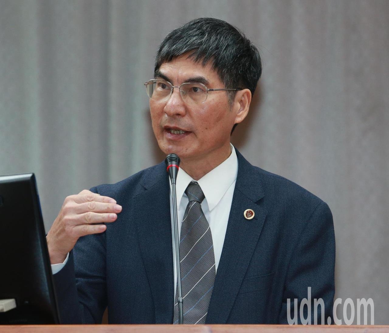 科技部長陳良基今天表示,目前已有3家廠商獲准進駐科學園區,近20家廠商聯繫中,科...
