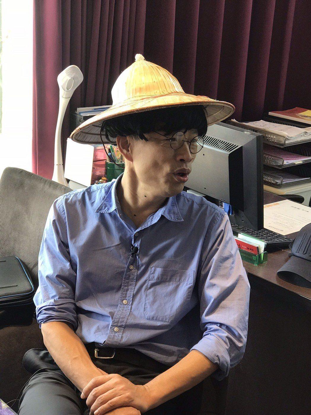 韓國瑜(左)和沈玉琳合作網路節目「謝謝琳來了」。圖/聲仕傳媒工作室提供