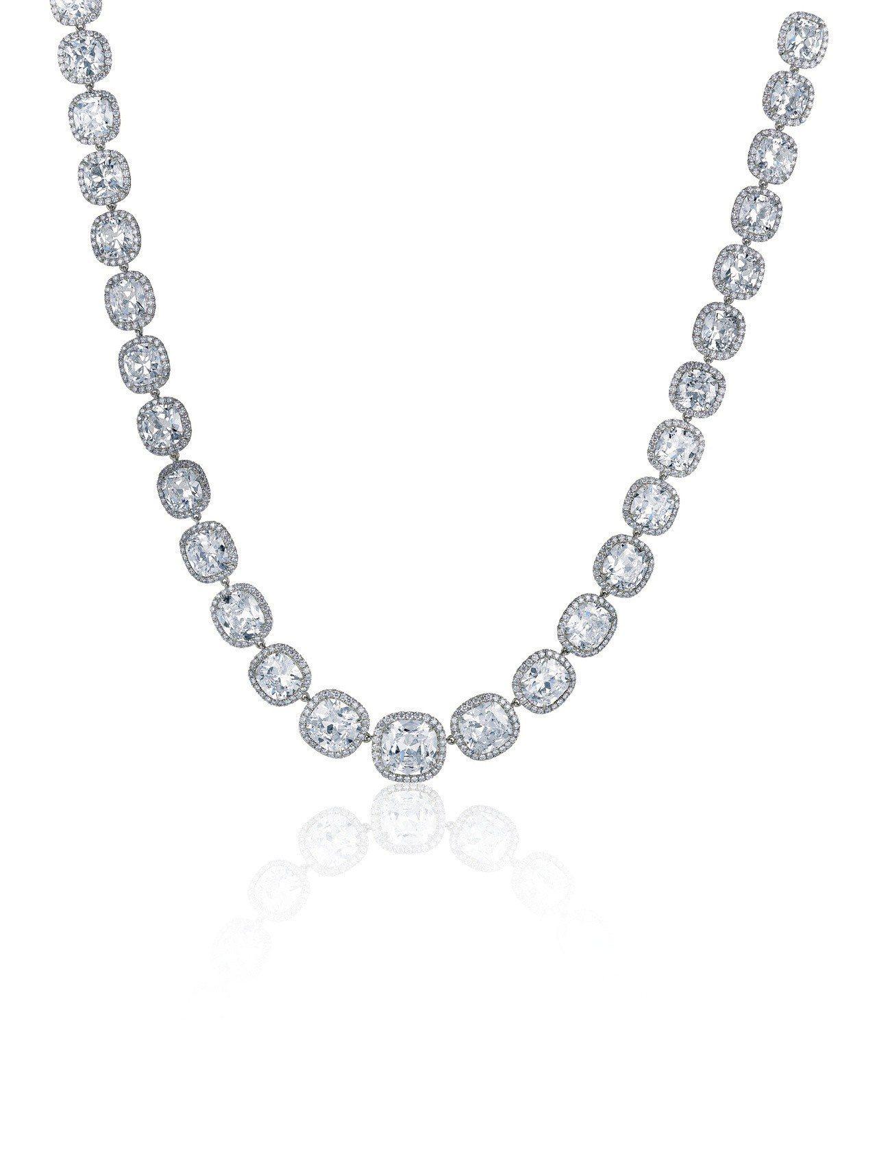 馬思純配戴的De Beers Aura 高級珠寶鑽石項鍊,共鑲嵌鑽石28.4克拉...