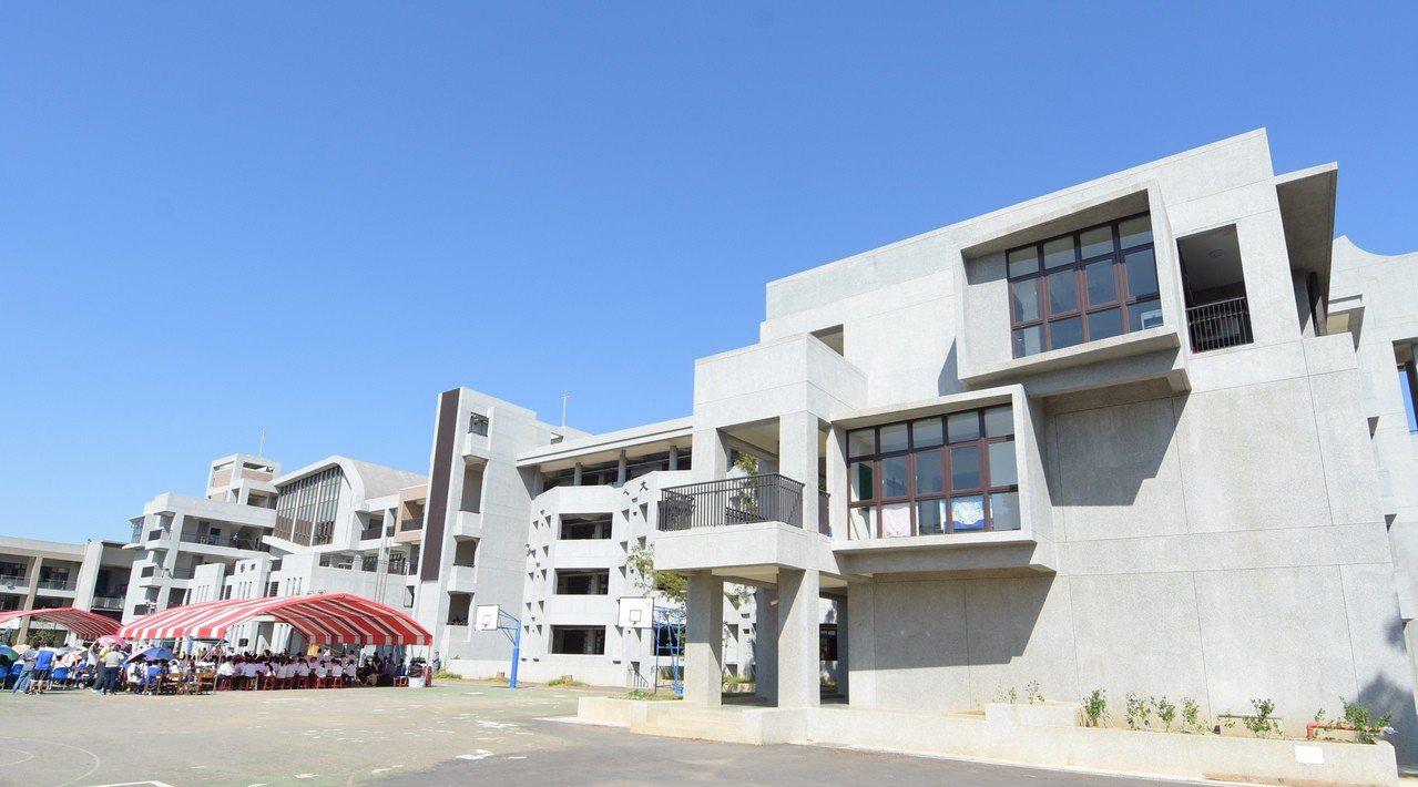 彰化藝術高中第二期教學大樓今天落成啟用。 照片/彰化政府提供