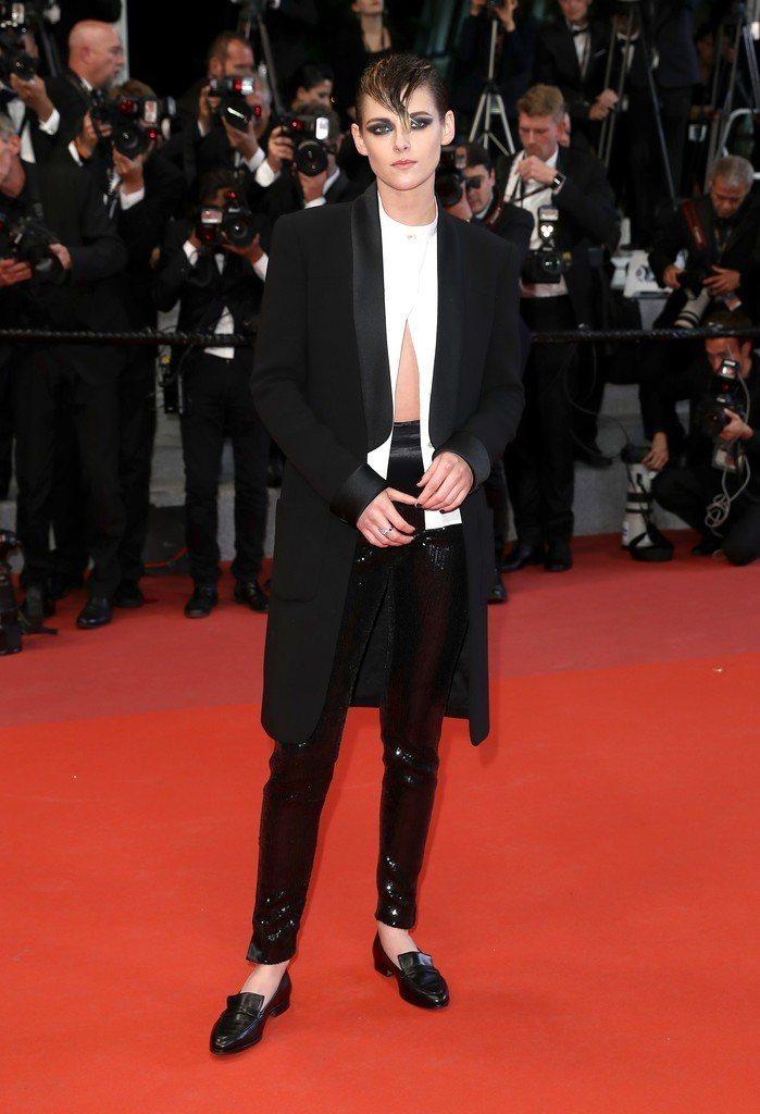 克莉絲汀史都華拒穿高跟鞋,以行動抗議坎城影展大會「女性只能穿高跟鞋、禁止平底鞋」...