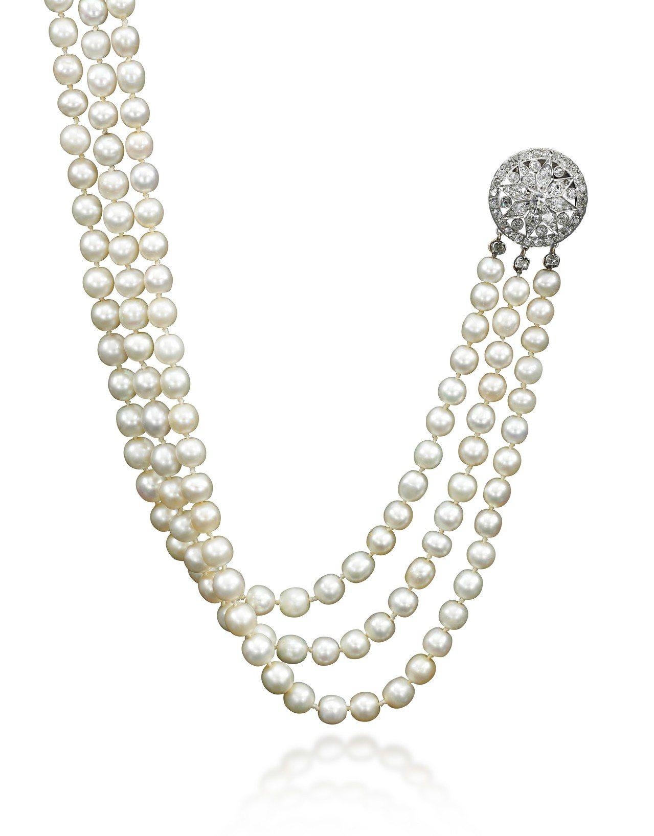 瑪麗安東妮的天然珍珠配鑽石項鍊,估價約620萬元。圖/蘇富比提供