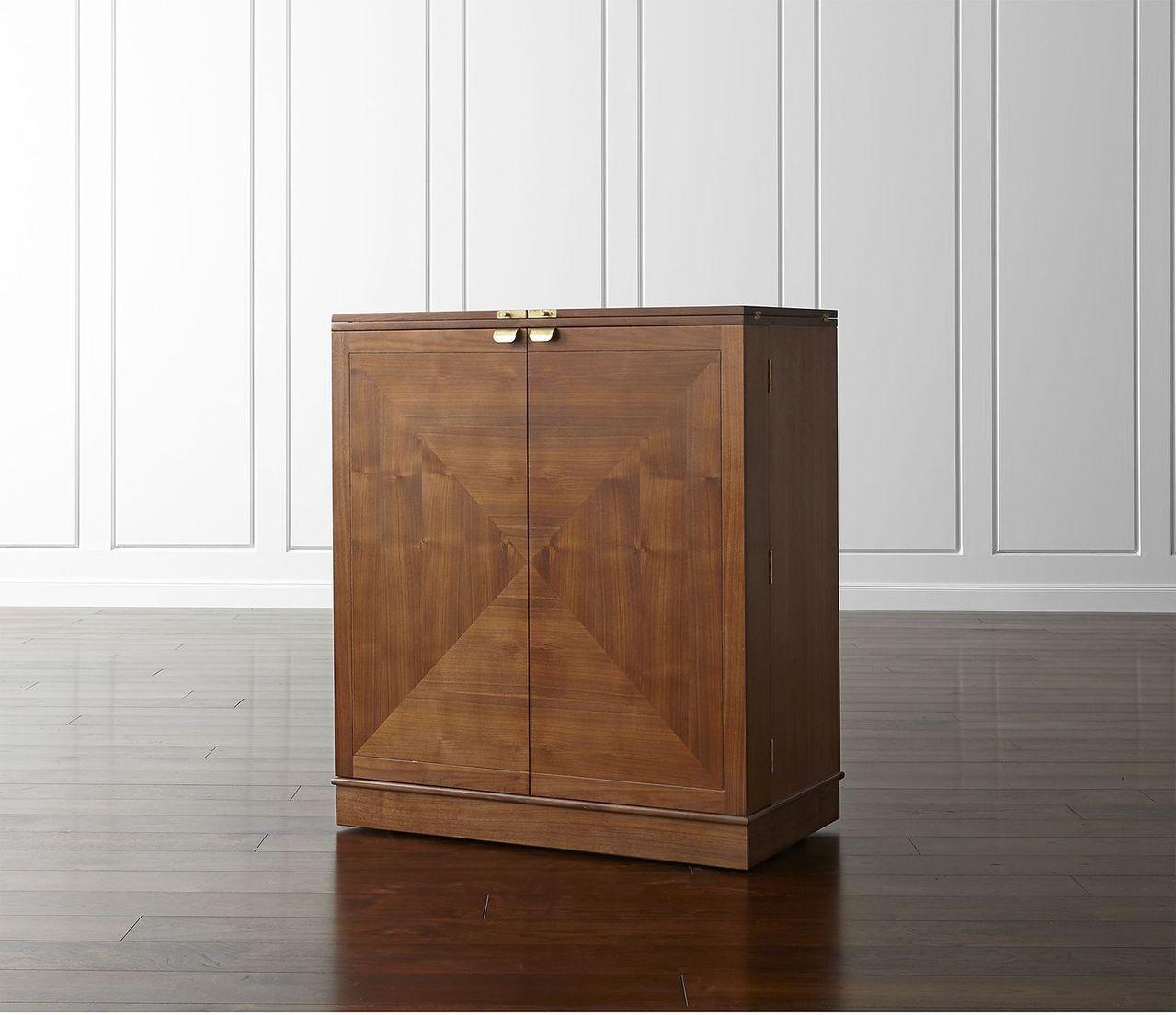 Maxine酒櫃,原價78,500元,現場享3至7折不等優惠。圖/Crate a...