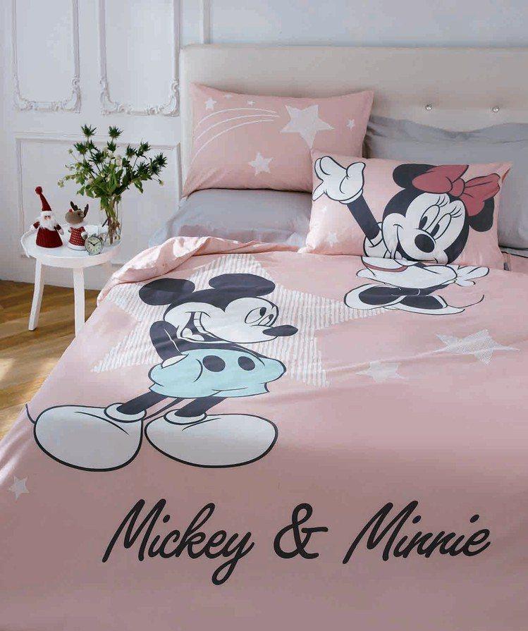 HOLA米奇系列共舞純棉床被組,原價6,980元、特價3,980元。圖/HOLA...