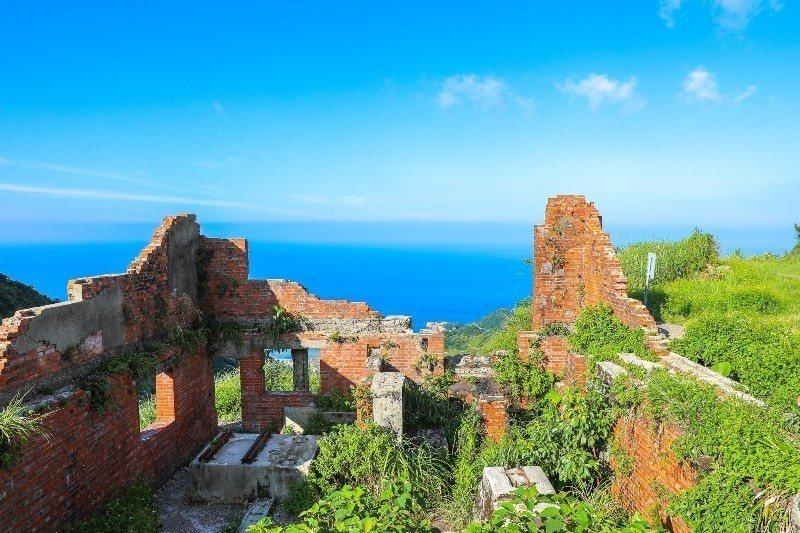 九份隱藏版景點是45度俯瞰陰陽海的六坑斜坡索道。圖/部落客陳小可授權提供