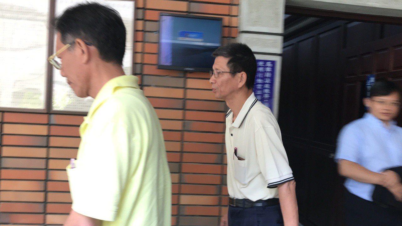 鮮到家陳姓負責人(左起)、珍昌陳姓負責人今到庭聽判。記者林伯驊/攝影