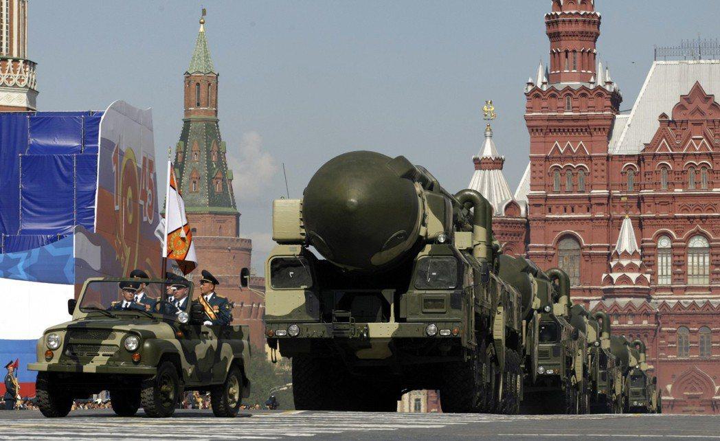 ��RS-26�境���到RS-12M白�钪揠H���的研�l�射,俄�_斯遭美����派直指投...