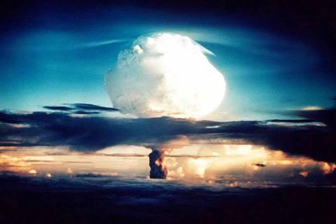川普為何甘冒新冷戰風險,撕毀《中程核武條約》(INF Treaty)?圖為195...