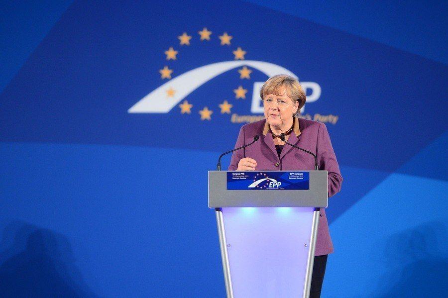 德國總理梅克爾自2000年起擔任「基督教民主同盟」(CDU)主席至今長達18年。...