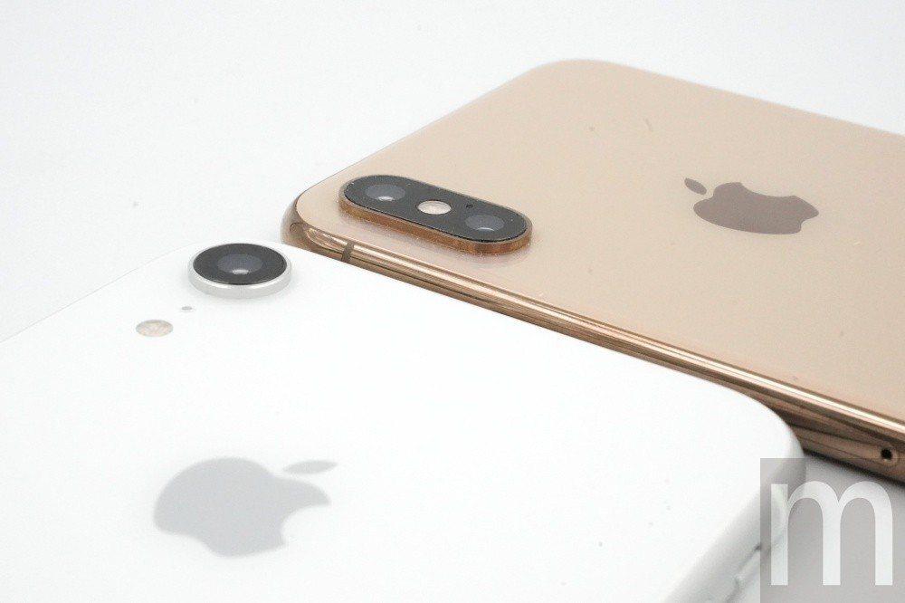 雖然iPhone XR僅搭載單一鏡頭,但與iPhone XS系列採用的主相機鏡頭...