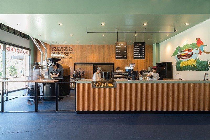 改建自倉庫的「Little Darling Coffee Roasters」,是...