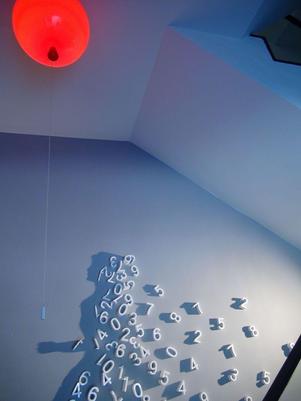 新的旅店融入許多新銳藝術家的創作。記者謝梅芬/攝影
