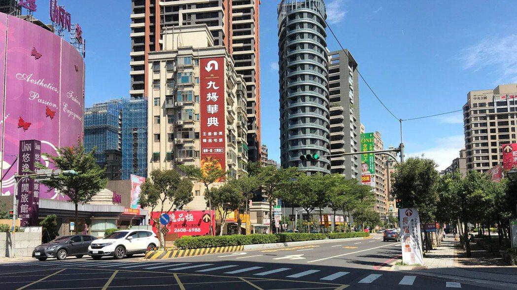 林口站周邊近年商場百貨陸續進駐,吸引許多小家庭到當地購屋。記者游智文/攝影