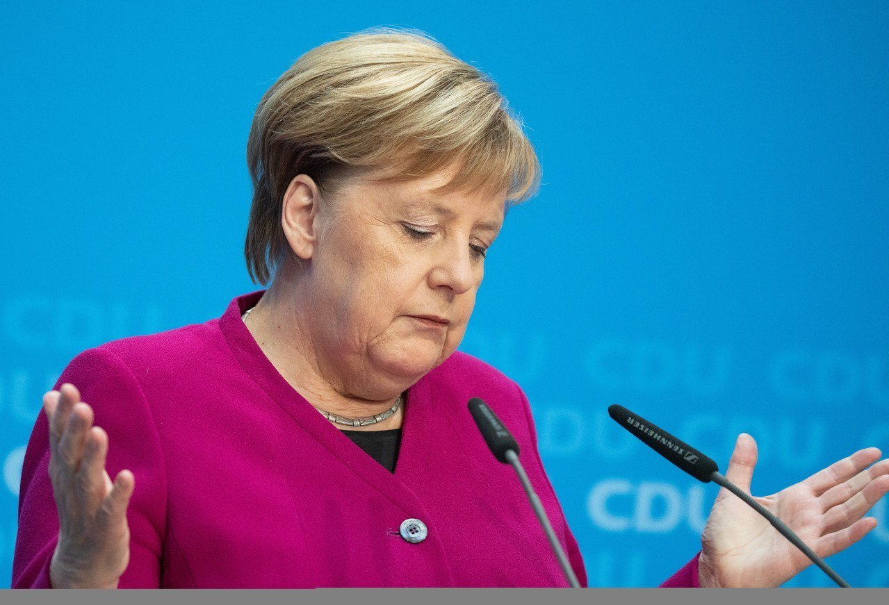 德國總理梅克爾29日宣布,將不在12月的黨大會上爭取連任黨魁,做完本屆總理任期後...