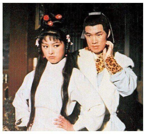 米雪與白彪的「射鵰英雄傳」香港創下百萬收視,掀起華人影視圈至今未退的「金庸熱」。...