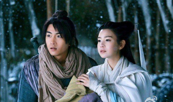 陳妍希(右)與陳曉因拍攝金庸的小說「神鵰俠侶」結緣。圖/摘自微博