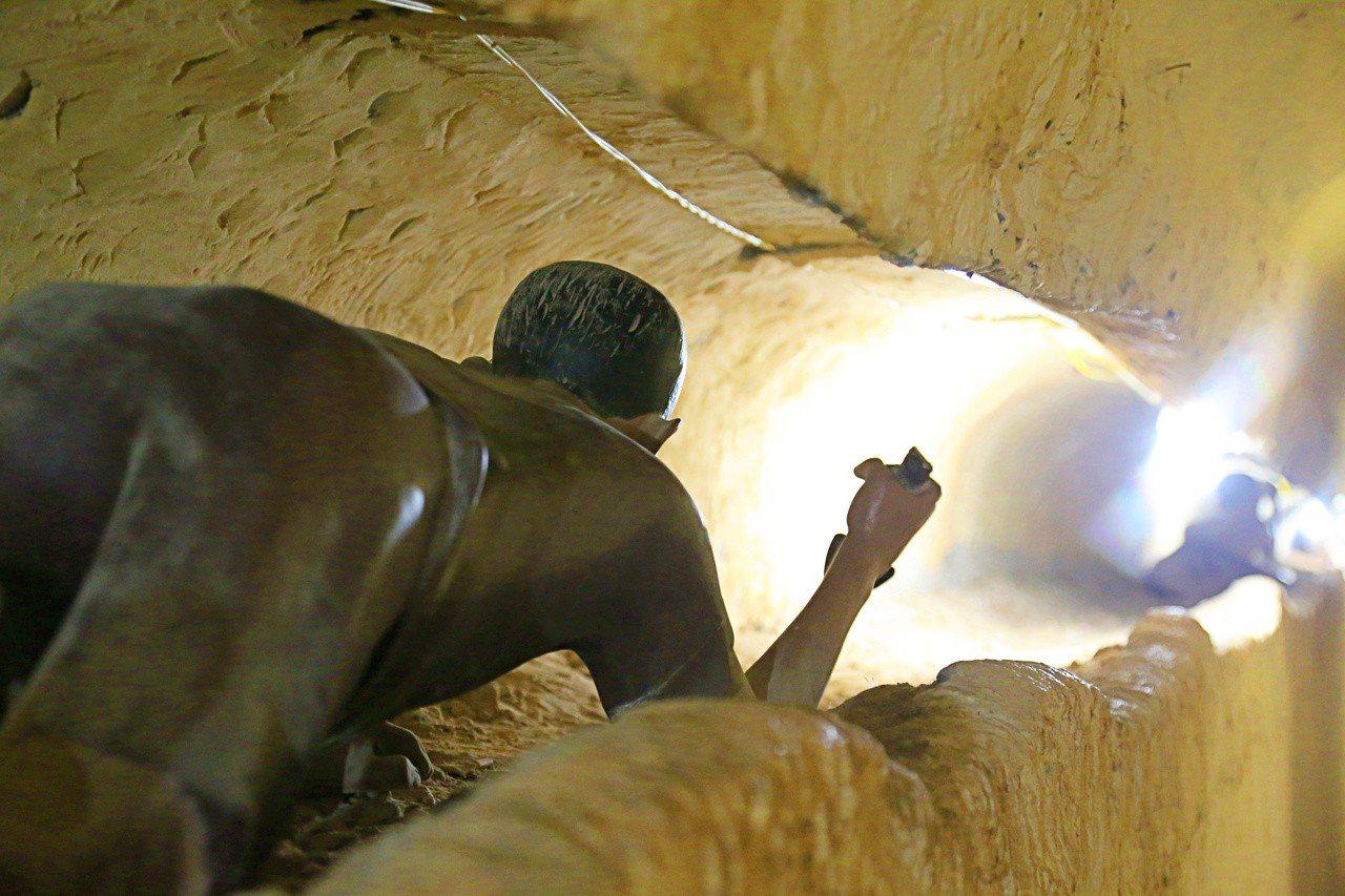 關在富國島監獄的政治犯,為了逃出生天,偷偷挖洞逃出去。記者魏妤庭/攝影