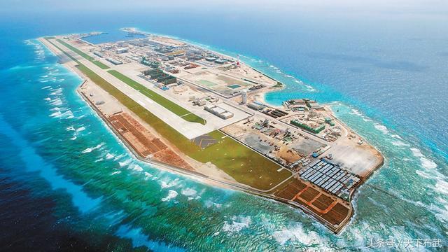 南海目前的永暑島僅有2.8平方公里,但已建成一座機場和醫院。 圖/取自網路