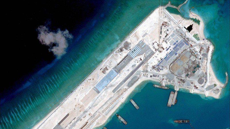 永暑礁、渚碧礁、美濟礁三座島礁上的氣象觀測站,即日起正式啟用。 (中國日報中文網...
