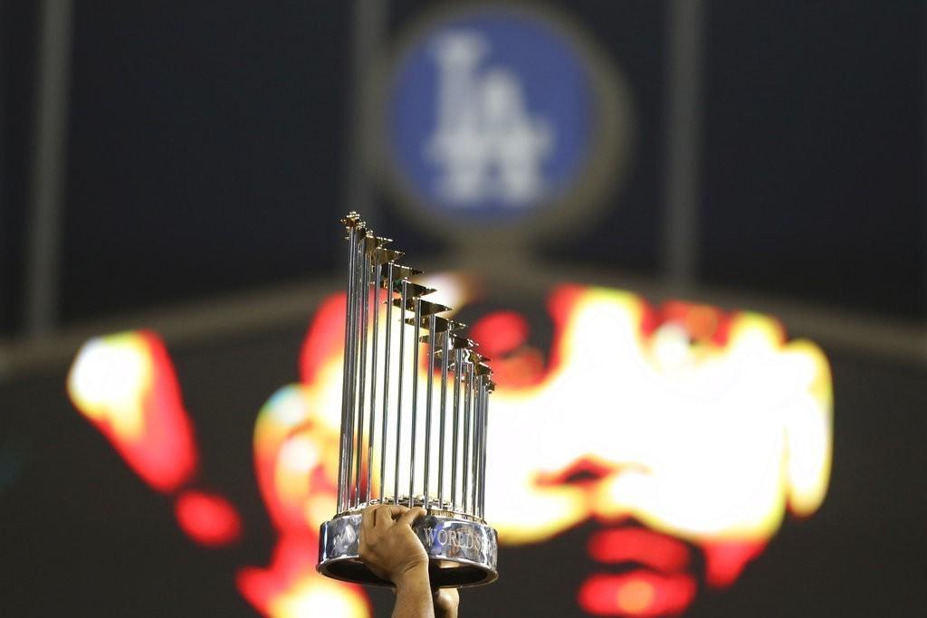 本屆世界大賽紅襪因戰力優勢太明顯,5戰打包道奇回家,讓球賽期待度不比去年精彩,加...
