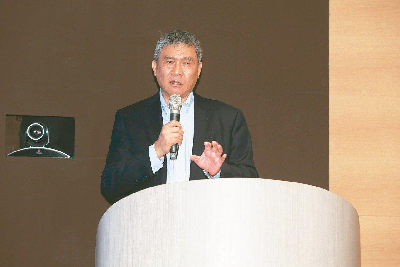 台達電昨天召開法說會說明公司營運狀況與展望,圖為董事長海英俊。 記者葉信菉/攝影
