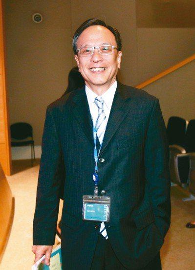 光寶科總執行長陳廣中昨天主持光寶科法說會。 記者蘇健忠/攝影