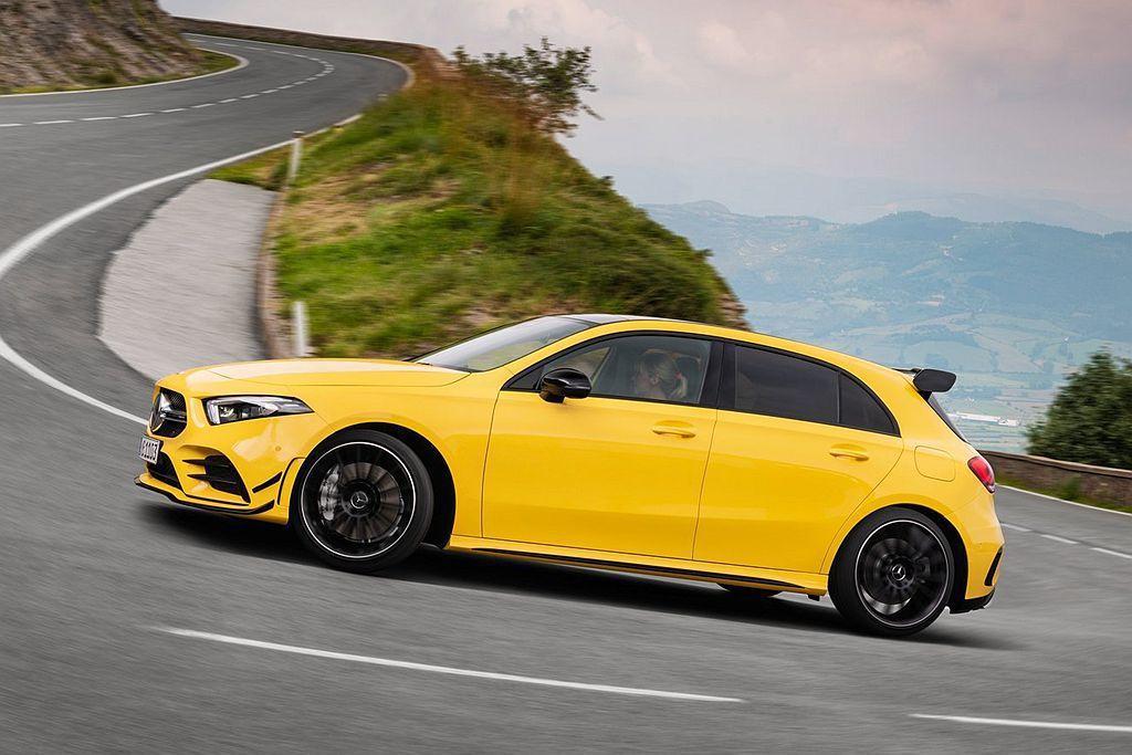 為提升操控表現Mercedes-AMG A35 4Matic搭載AMG Ride Control電子懸吊系統,並提供三段不同減震筒阻尼可調功能。 圖/Mercedes-AMG提供