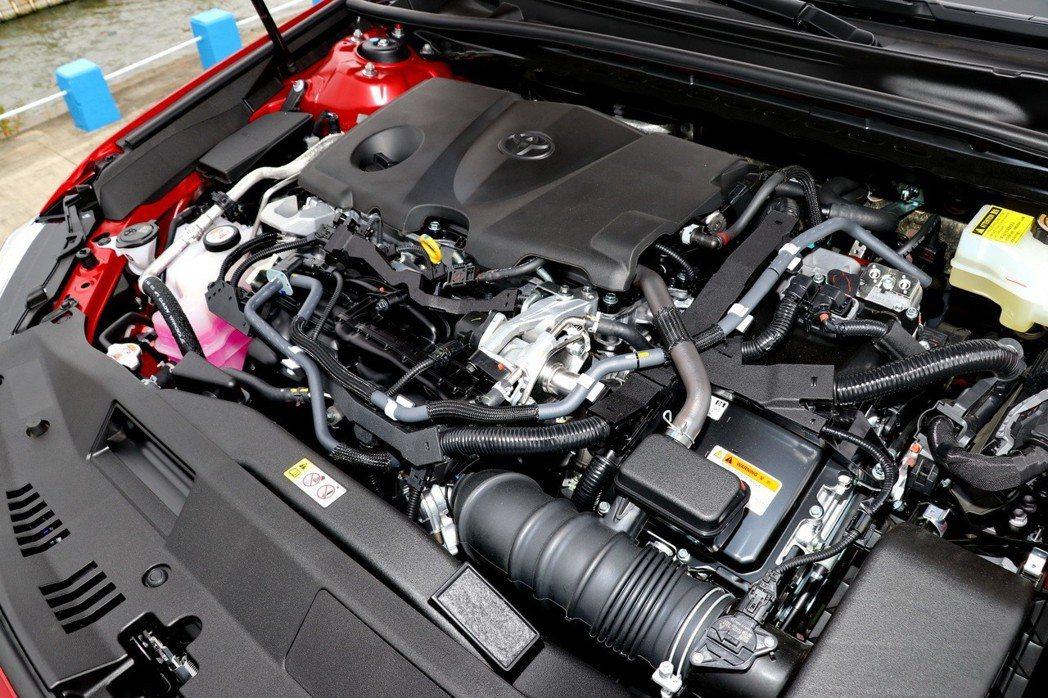 導入新世代「Dynamic Force Engine Hybrid系統」,以TOYOTA第四代HYBRID系統為基礎,加上一具熱效率達41%的2.5L Dynamic Force引擎。 記者陳威任/攝影