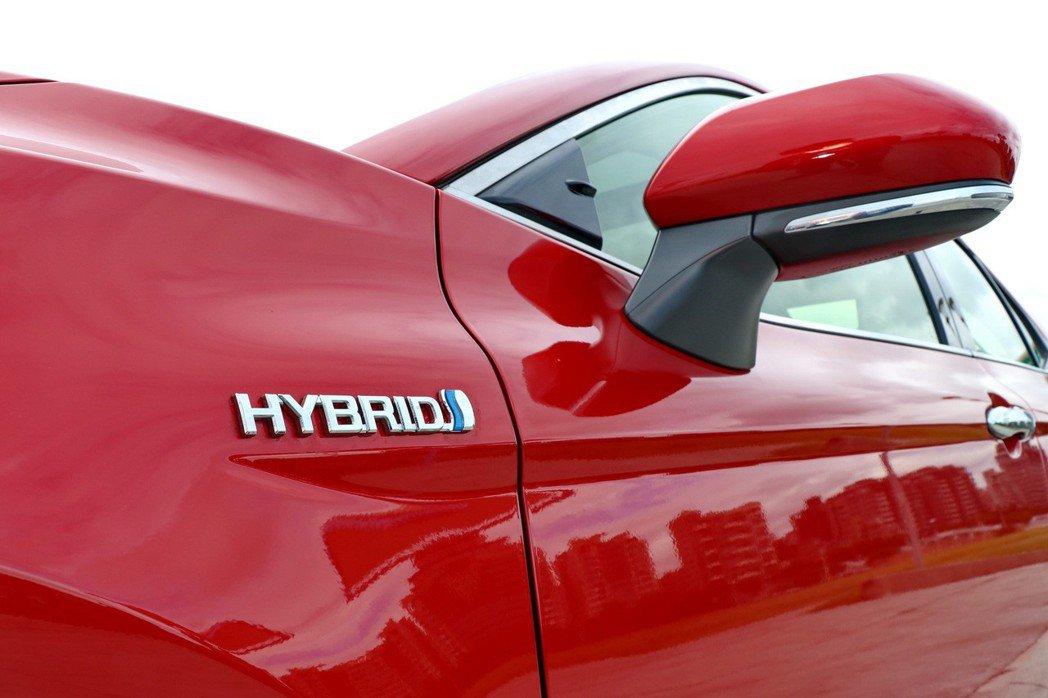CAMRY HYBRID車型改為進口導入。 記者陳威任/攝影