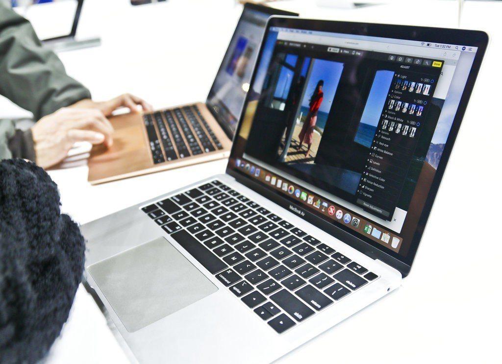 新版MacBook Air終於配備了以往只出現在MacBook Pro上的Ret...