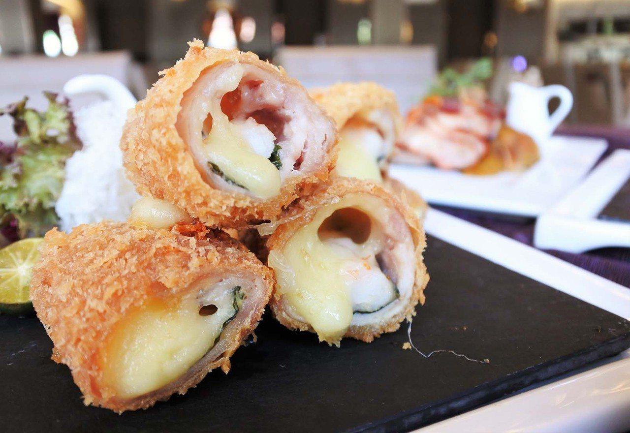 (圖/台灣旅行趣) ▲豬肉包紫蘇葉、蝦仁、起司,再裹上麵包粉油炸。一旁會附上醬蘿...