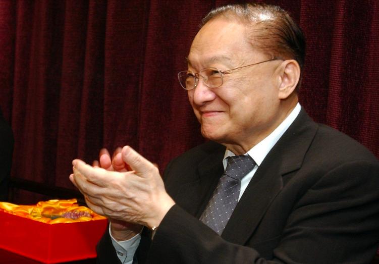 金庸小說風靡華人世界。聯合報系資料照片