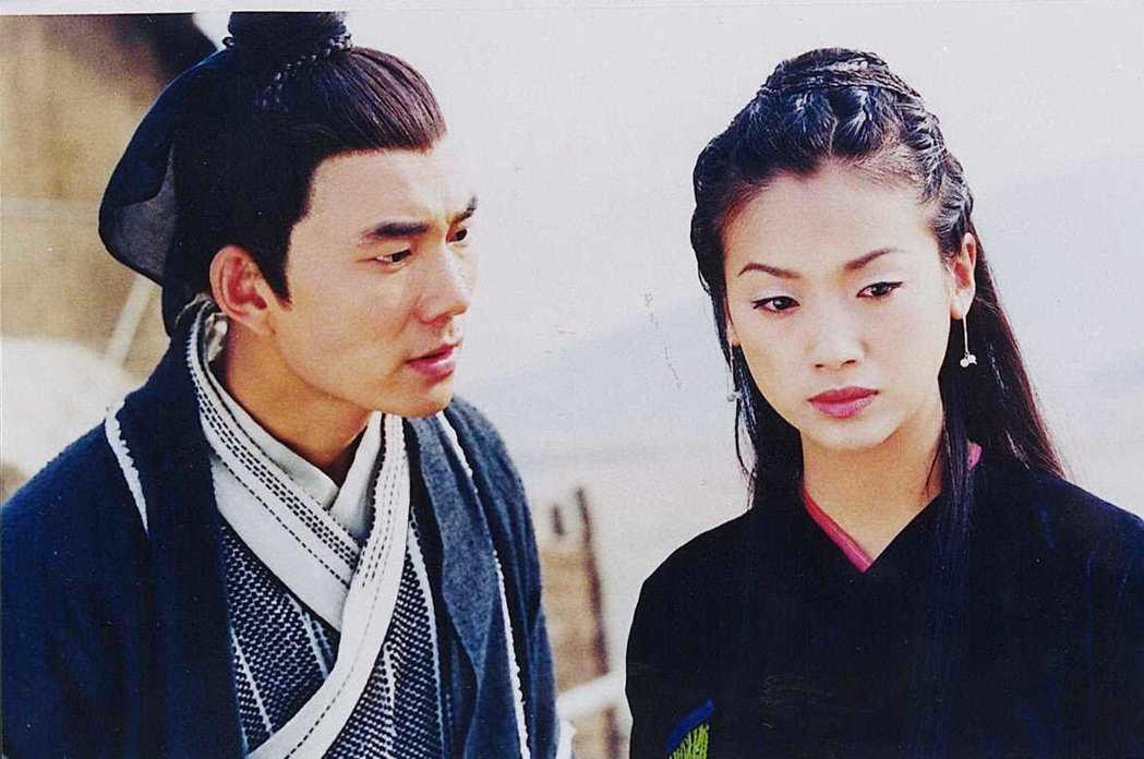 任賢齊(左)和吳倩蓮的「神鵰俠侶」版本讓金庸不滿意。圖/報系資料照片