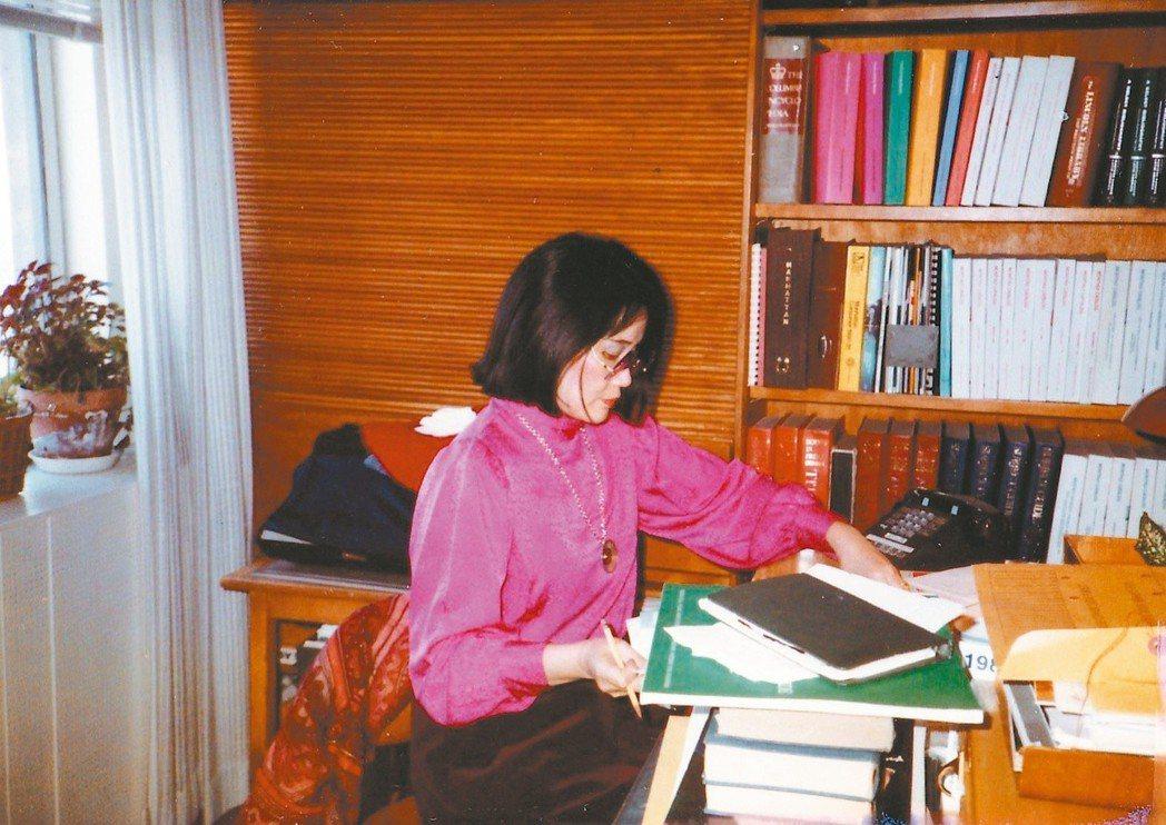 叢甦旅居紐約,長期為國際筆會撰寫報告。