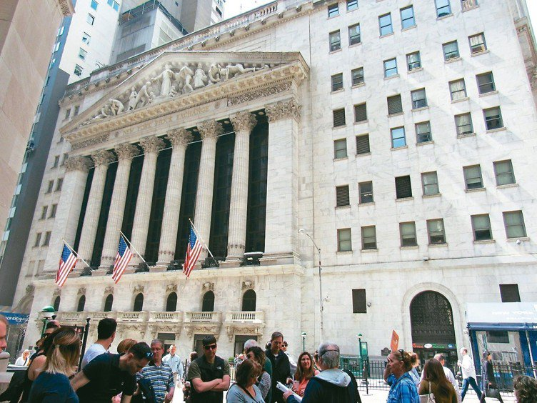 美股10月以來重挫,成為全球股市動盪的源頭。 (本報系資料庫)