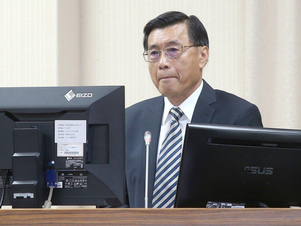 國安局長彭勝竹今在立法院證實,國安局確實監控臉書等公開網路社群,偵蒐包括詆毀國家...
